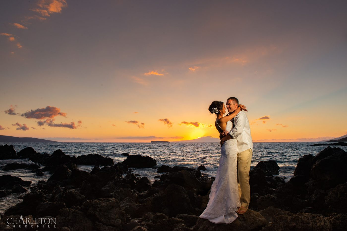 maui wedding photographer, eloping couple married on the island near wailea during a sunset