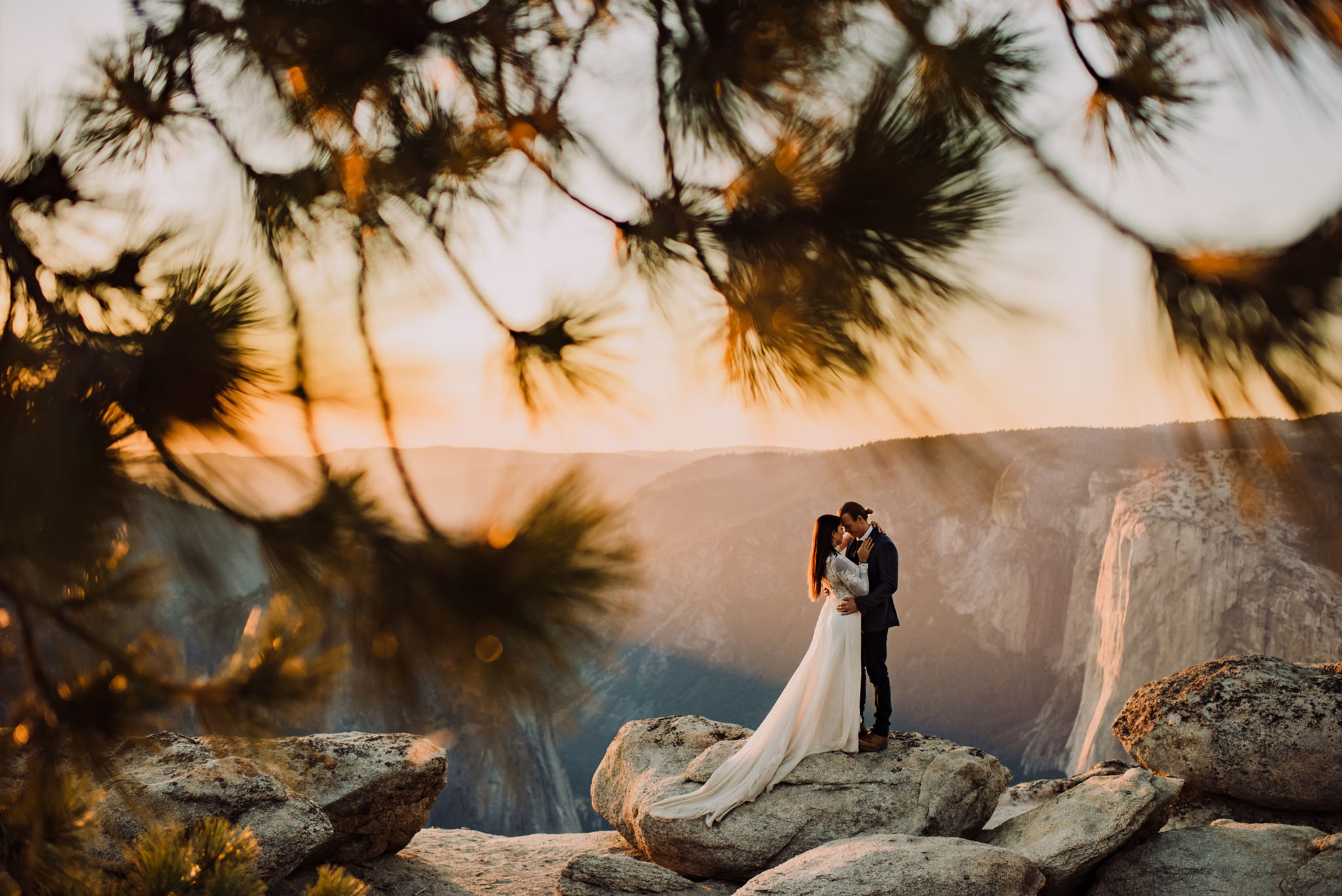 yosemite wedding elopement at taft point