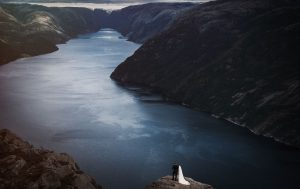 norway wedding photos on the fjords