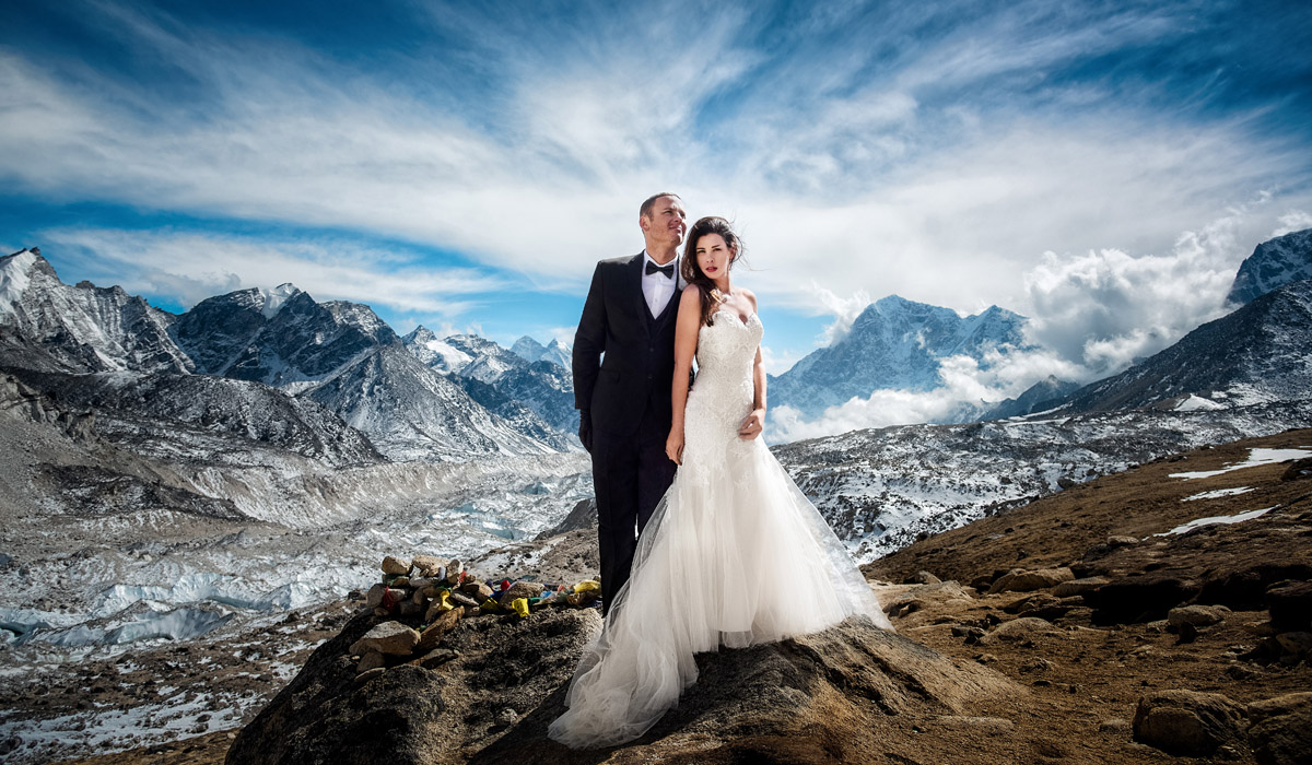 epic adventure wedding mt. everest