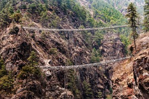 everest trek high bridges
