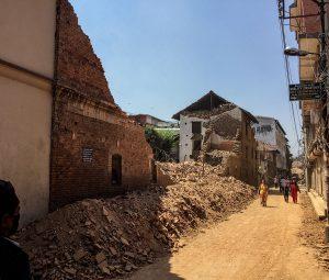 kathmandu rubble cleaning up