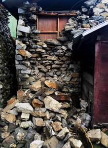rubble from namche bazaar earthquake