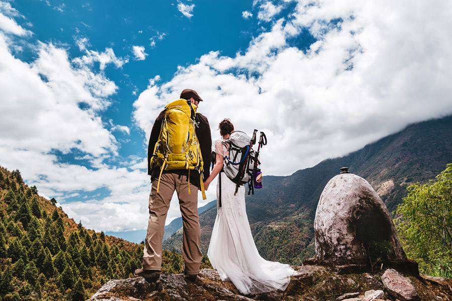 mt. everest wedding couple eloped near basecamp