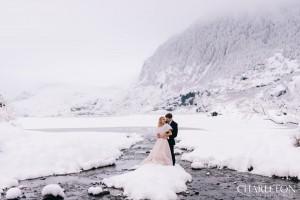 wedding in the winter snow photos
