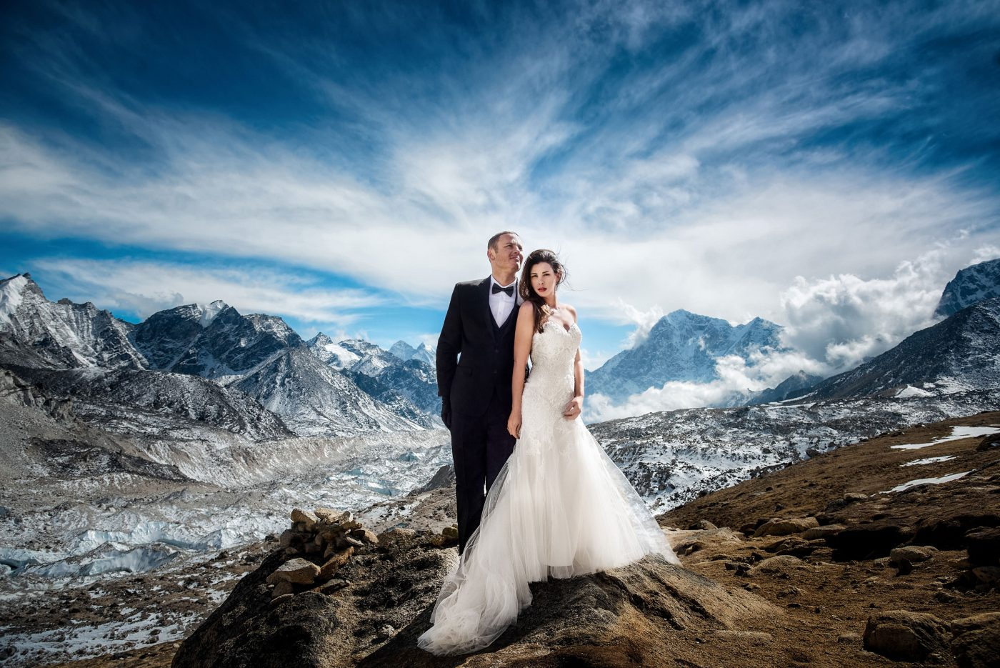 mount everest adventure wedding ashley and james on mountain hiking to summit for epic photos in the himalayas