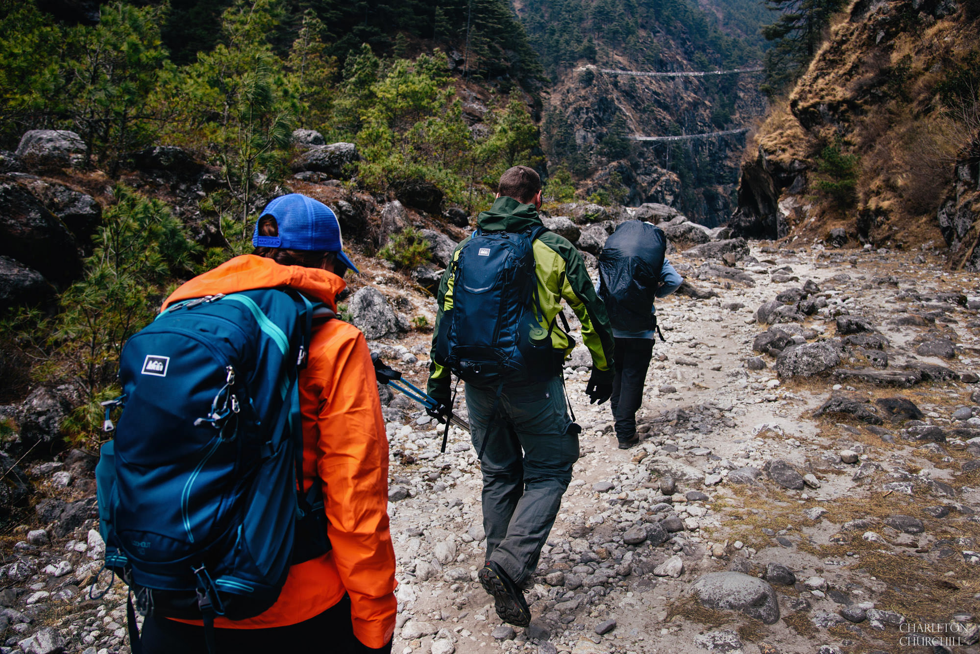 hiking to namche bazar bridge