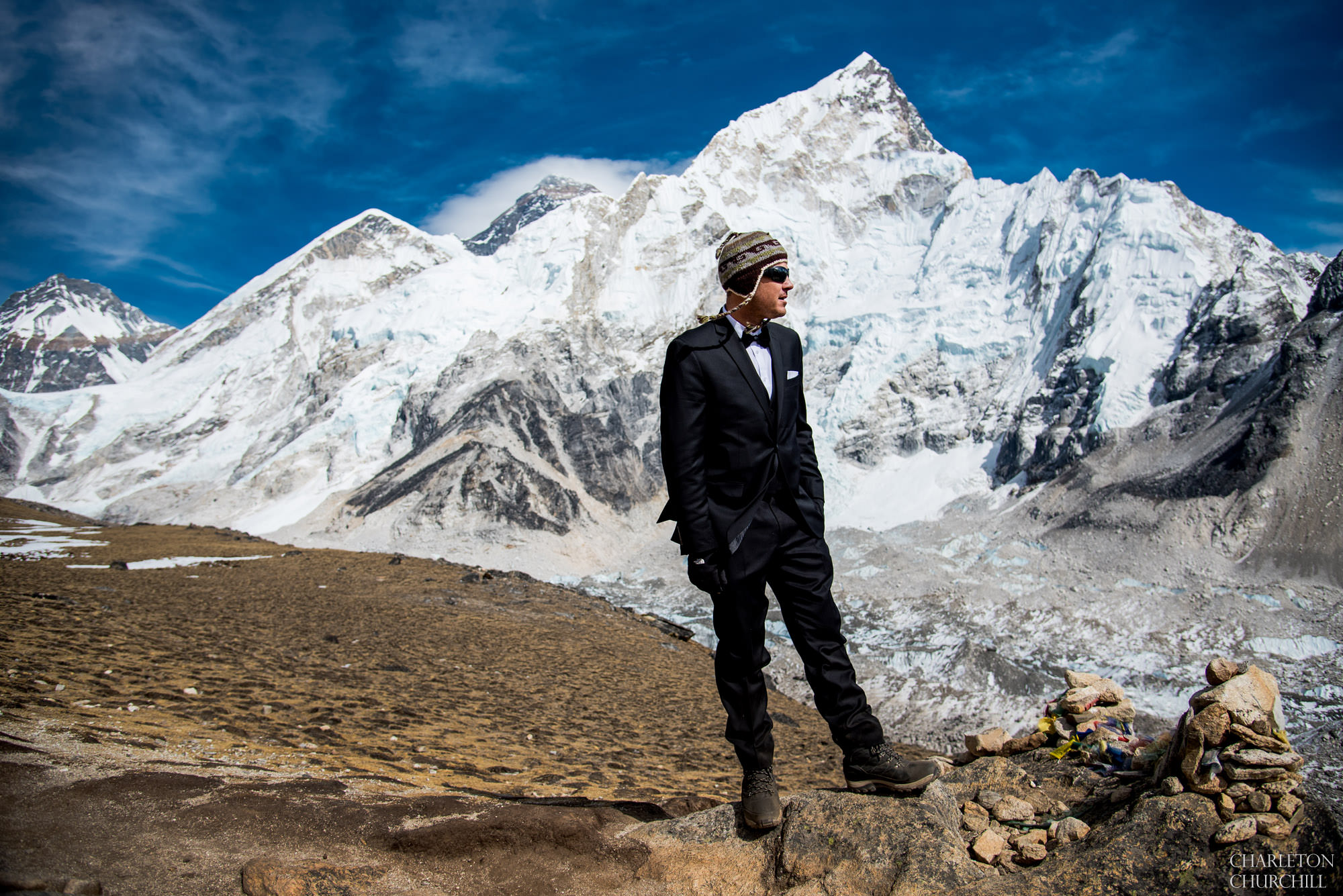 creative groom photo on adventure wedding mt everest