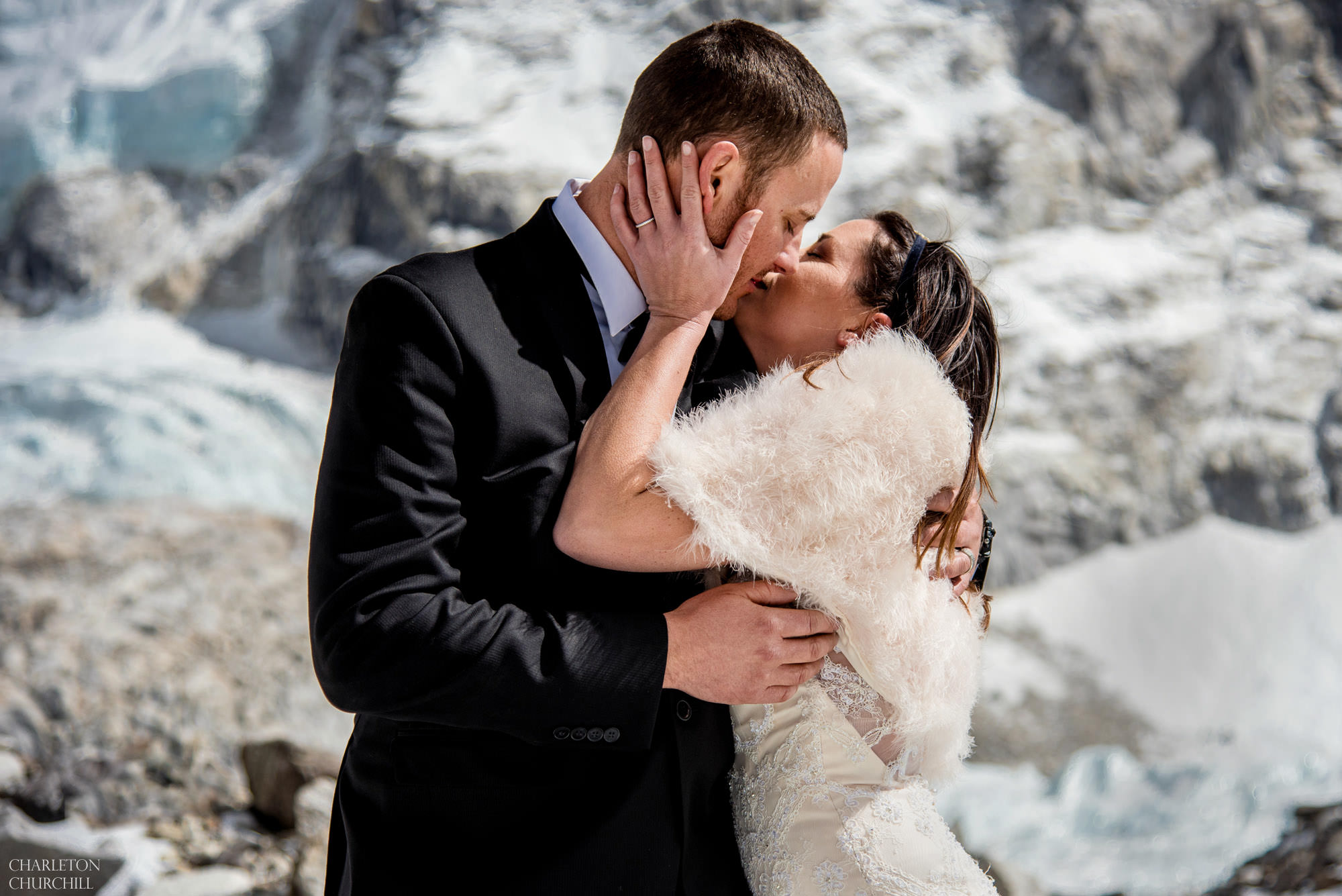 couple gets married at everest base camp and then they kiss on the snow