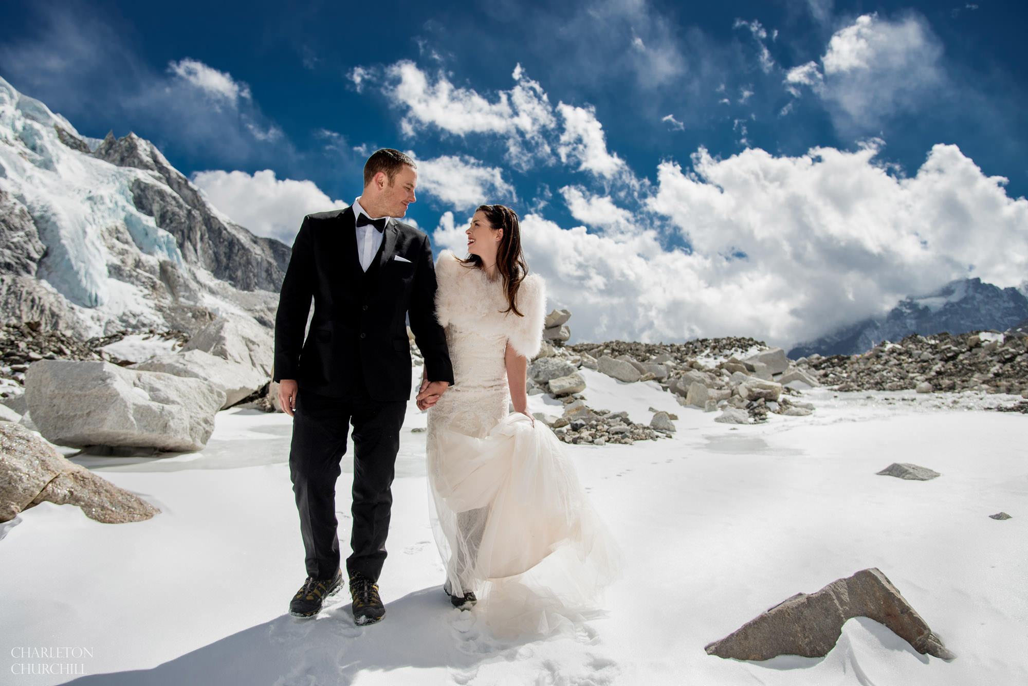 adventure wedding photography at mt everest with couple in the snow