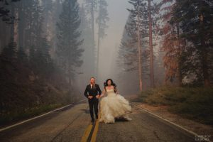 yosemite fire while couple captures images in te middle of fire and smoke